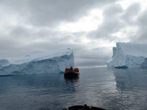 Huge icebergs !